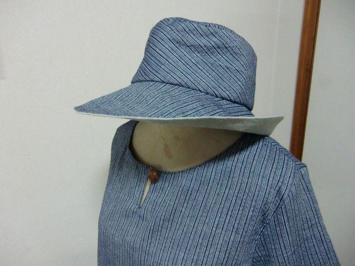 お揃いの布で帽子