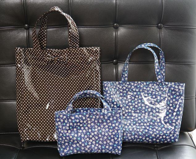ビニールコーティング地のバッグ