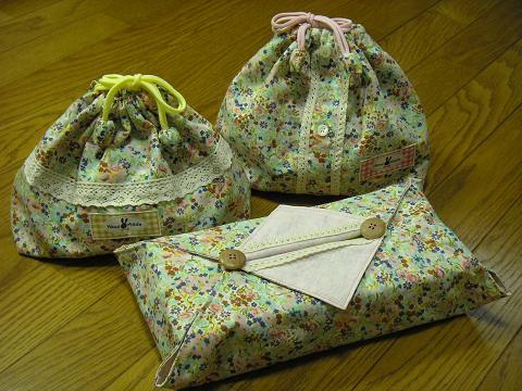 お弁当袋とティッシュケース(ブラウスリメイク)
